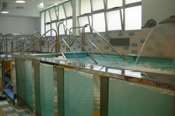 La struttura termale con le piscine per le terapie