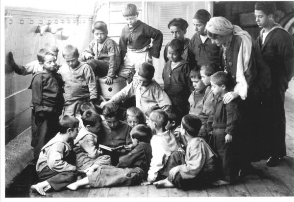 Momento di lettura dei marinaretti.
