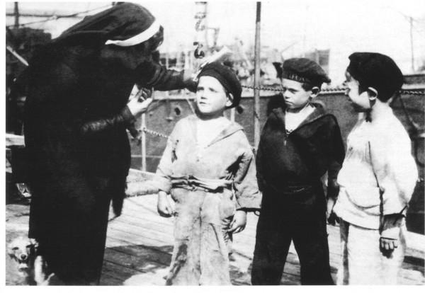 Giulia Civita Franceschi con i suoi caracciolini.