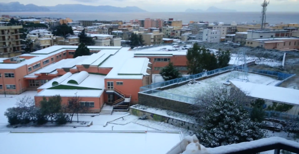 Neve a Torre del Greco gelo