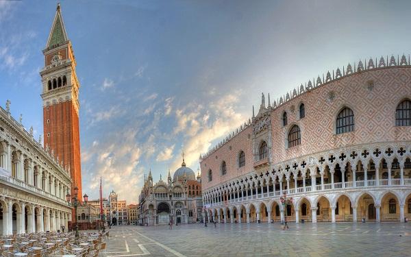 PiPazza San Marco a Venezia