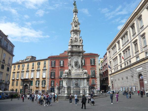 Obelisco dell'Immacolata.