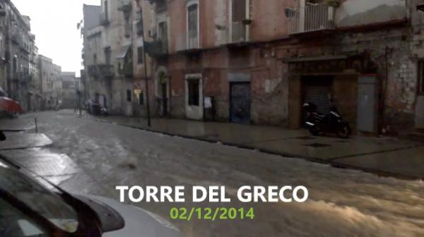 Torre del Greco - Via XX Settembre allagata