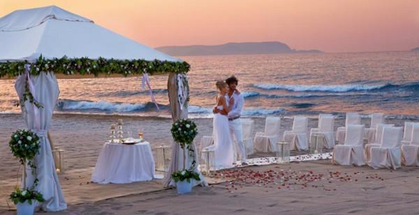 Location Matrimonio Spiaggia Napoli : Matrimoni ecco la risposta napoletana al quot boss delle