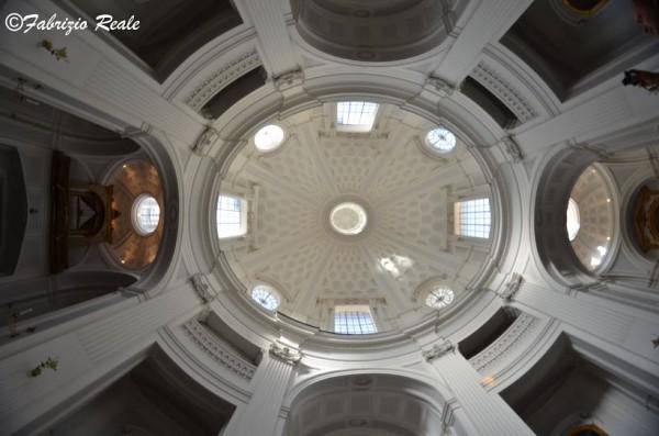 Napoli: chiesa delle missioni ai Vergini