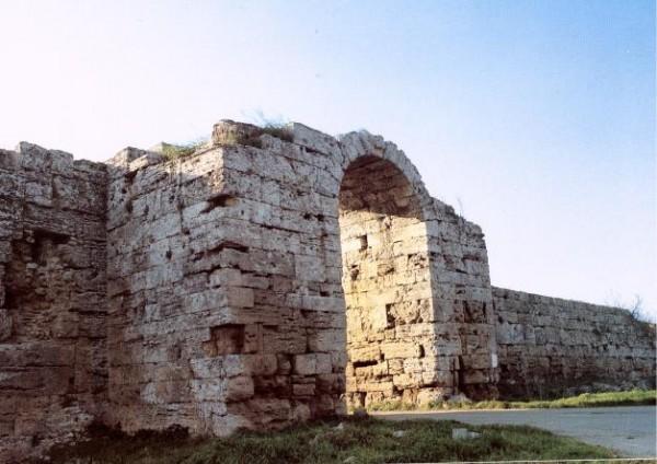 Porta Sirena, Paestum.
