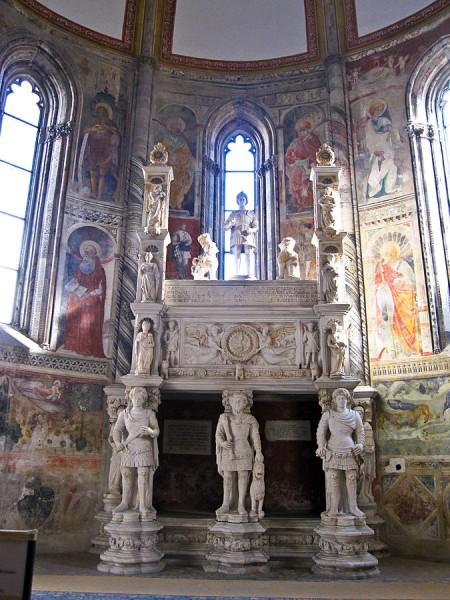 Foto di Armando Mancini - Flickr: Napoli - Chiesa di San Giovanni a Carbonara