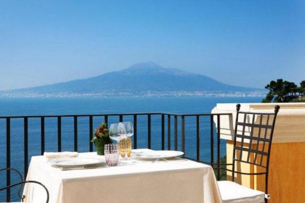 Albergo sul mare Napoli
