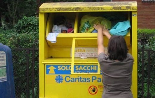 Cassonetti per raccolta abiti
