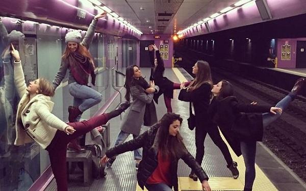 Danzadi di protesta in metropolitana