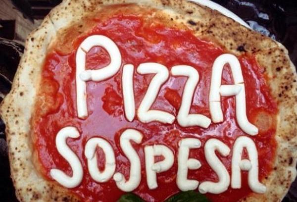 Pizza sospesa