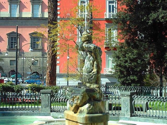 Sanificazione piazza Cavour