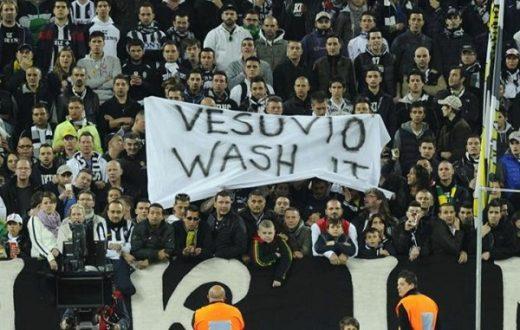 striscione contro Napoli