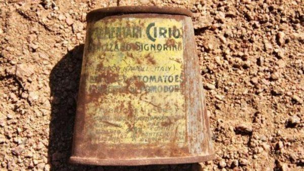 Barattoli prodotti a Napoli trovati in Egitto