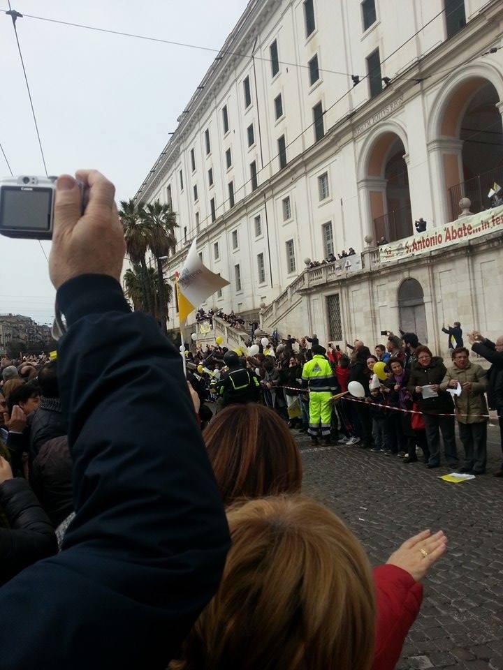 Papa Francesco a Piazza Carlo III (2)