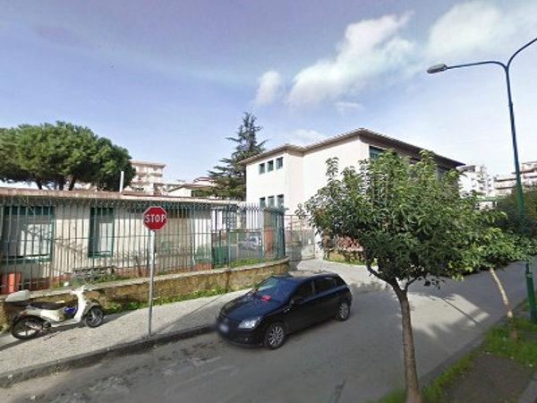 Tragedia suicidio Scuola Giosuè Carducci di Casoria