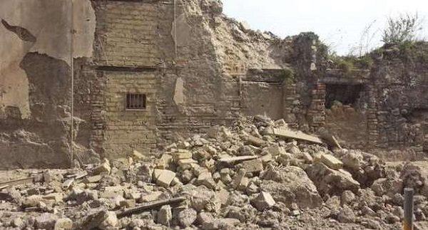crollo palazzo Torre Annunziata