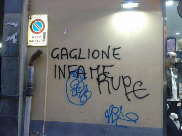 Graffito contro Gaglione