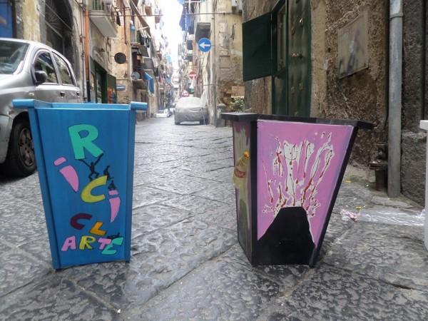 miniera ai quartieri spagnoli.nuovi bidoncini    artistici