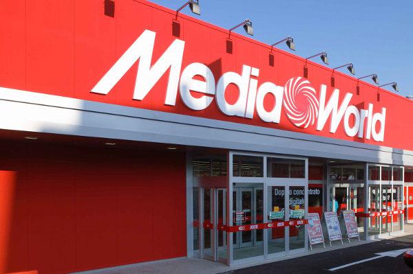 Licenziati dipendenti mediaworld e auchan