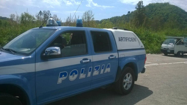 Mine antiuomo in vendita a Napoli, intervento polizia e artificieri