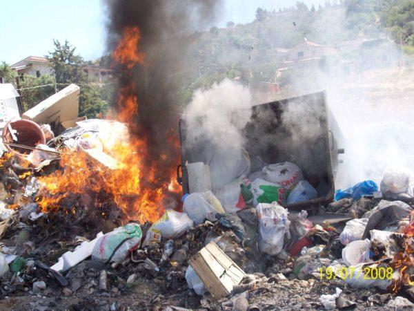 spazzatura che brucia