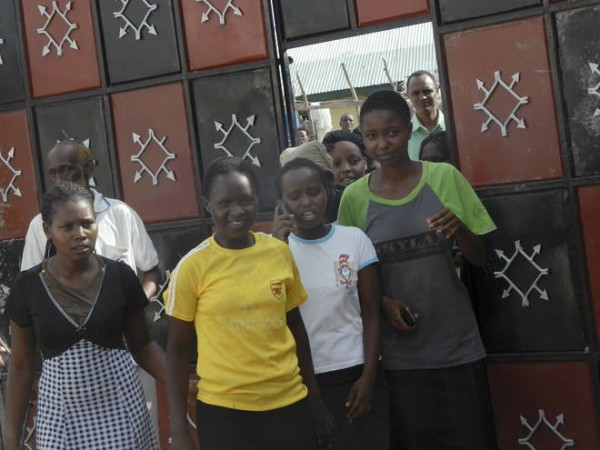 studenti kenioti sfuggiti ai terroristi