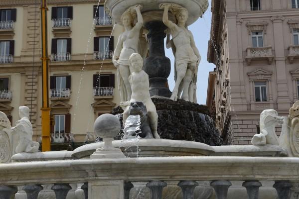Particolare fontana del nettuno