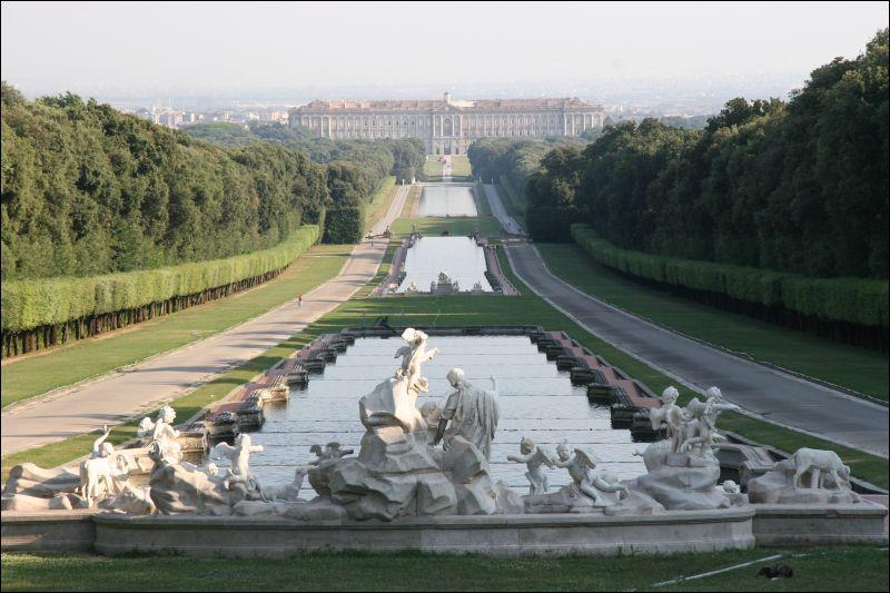 Reggia di caserta apertura straordinaria per il 2 giugno - Reggia di caserta giardini ...