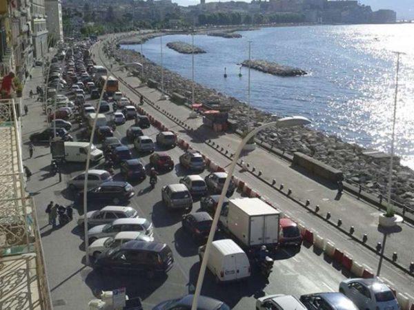 Via Partenope riaperta al traffico - foto di Massimo Siciliano