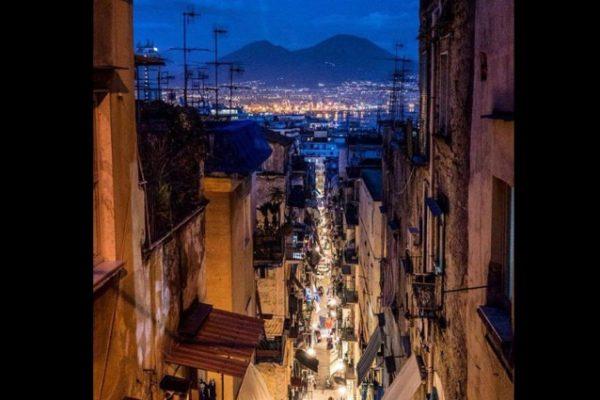 foto_quartieri_spagnoli_notte-638x425