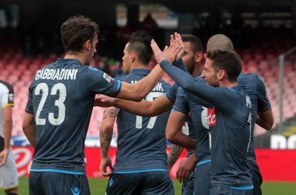 Napoli-Cesena, gli azzurri ce la fanno ma che paura!