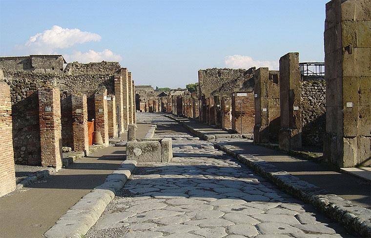 scavi di pompei, via di mercurio chiusa