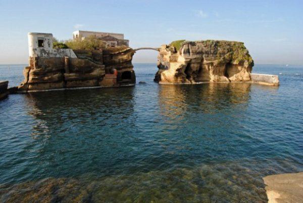 Dove fare il bagno a napoli ecco le 5 spiagge pi belle - Cinque terre dove fare il bagno ...
