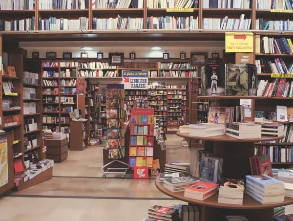 Napoli nella top ten delle città che acquistano più libri