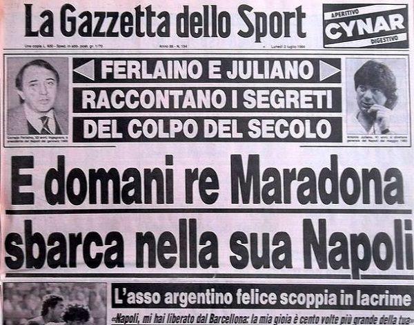 Maradona firma col Napoli Ferlaino