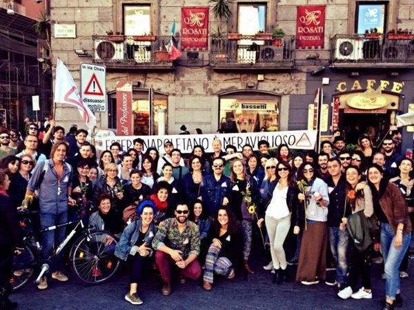 Visita ai Quartieri Spagnoli - Foto di gruppo insieme alla gente che ha partecipato