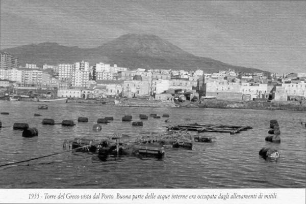 1955-Torre-del-Greco-dal-Porto