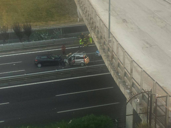 Tangenziale di Napoli, contromano incidente