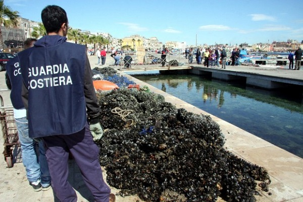 cozze sequestrate torre del greco