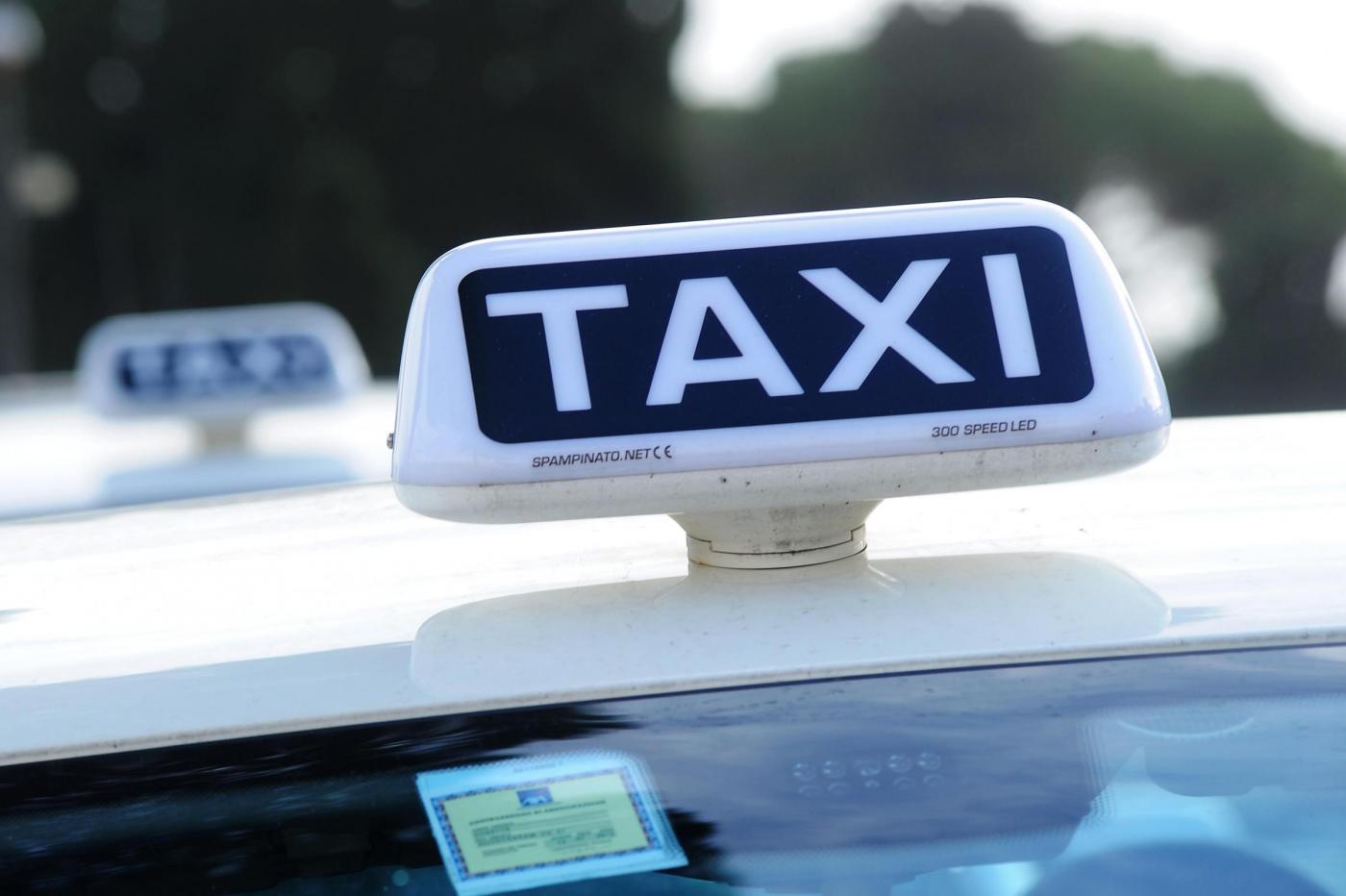 taxi tassista terrorista napoli pompei rovigliano torre annunziata