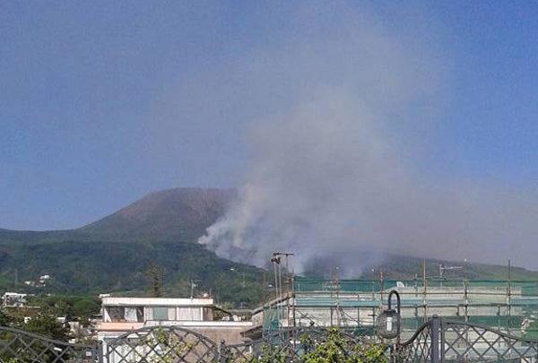 Incendio sul Vesuvio - Torre del Greco