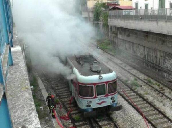 incendio sul treno