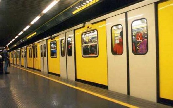 metro metropolitana napoli m1 nuovi treni autobus