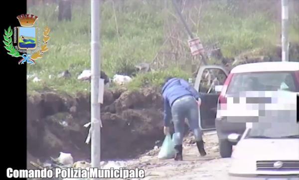 Giugliano in Campania- Sversamento di rifiuti