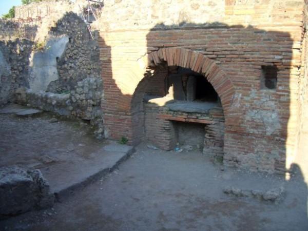 forno a legna, scavi di Pompei