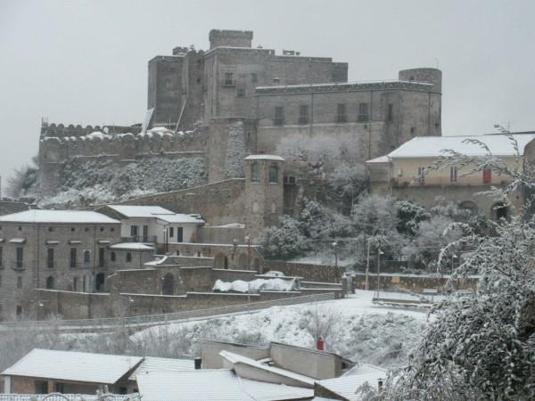 Castello di Limatola neve