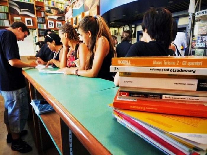 Ercolano mercatino del libro usato per scambiare o for Libri di testo scolastici