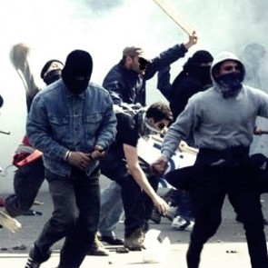 scontri tifosi incidenti