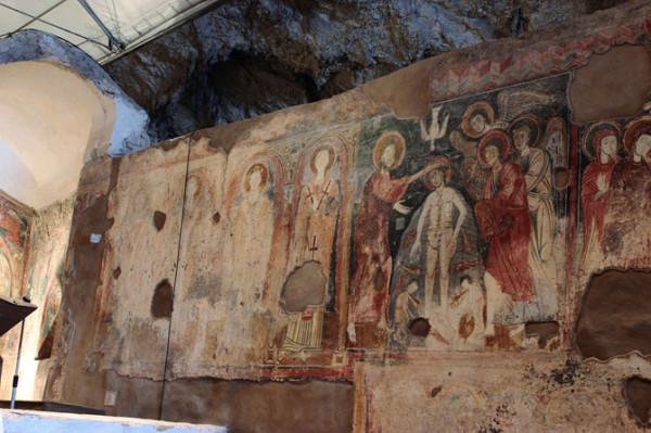 Affreschi Grotta di San Michele Arcangelo a Olevano sul Tusciano
